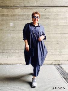 Plus Size Dress im Hemdblusenschnitt aus Baumwolle. Moderne Kleider in großen Größen.
