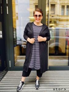 Übergrößen Mode für lässige Damen finden sie in Wien bei stor> wir haben größe.